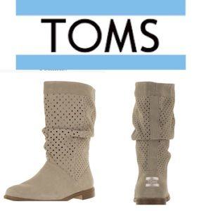 Tom's Serra perforated boots size 6 women's New